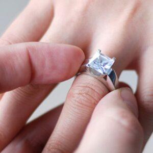 งานรุ่งโรจน์ ใส่แหวนไหนดี?